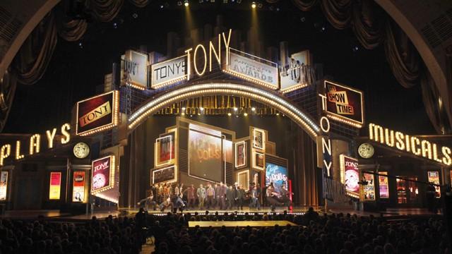 Tony-Awards-2003-theatregold