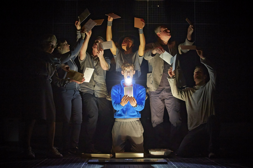 curious-incident-of-the-dog-in-the-night-time-tour-block