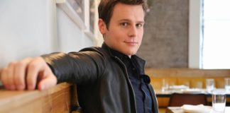 jonathan-groff-actor-theatregold-database
