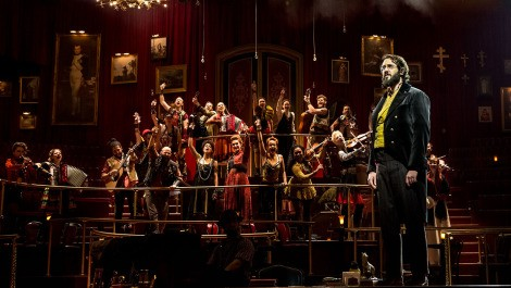 josh-groban-the-great-comet-theatregold-pierre