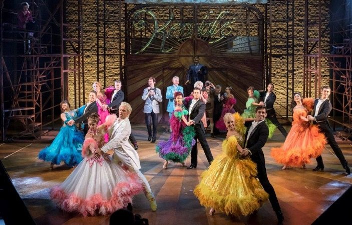 strictly-ballroom-theatregold-image1