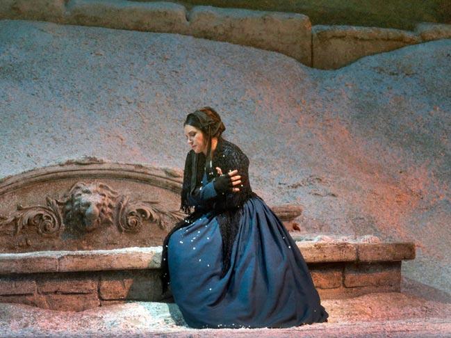 la-boheme-met-opera-tickets-theatregold-pix-2