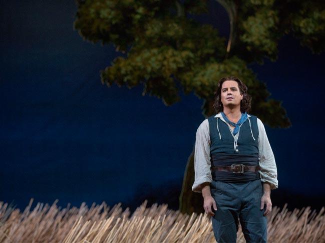 lelisir-damore-met-opera-tickets-theatregold-pix1