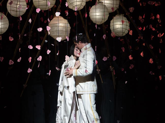 madama-butterfly-met-opera-tickets-theatregold-pix1