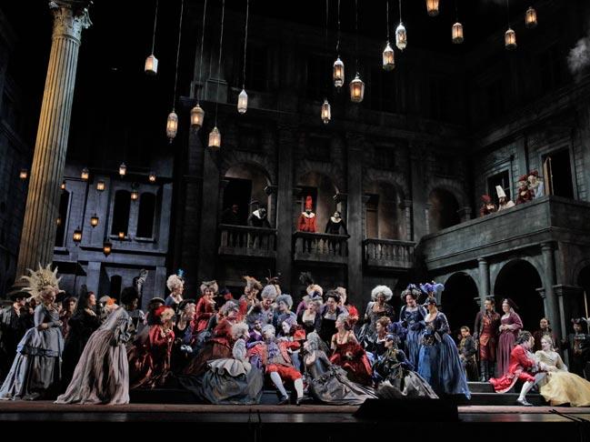 romeo-et-juliette-met-opera-tickets-theatregold-pix1