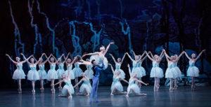 swan-lake-2017-theatregold